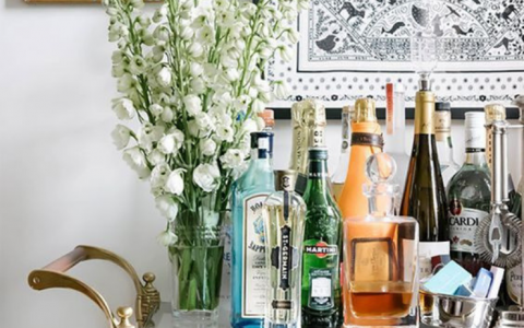 All The Tricks And Tips To Design Your Own Home Bar Cart_feat