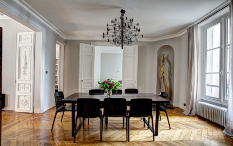 10 Luxury Dining Chairs For Any Design Lover