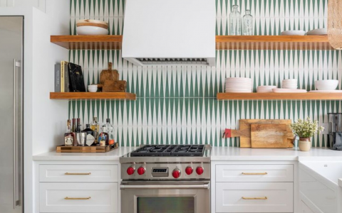 8 Best Geometric Backsplashes For A Trendy Kitchen Decor