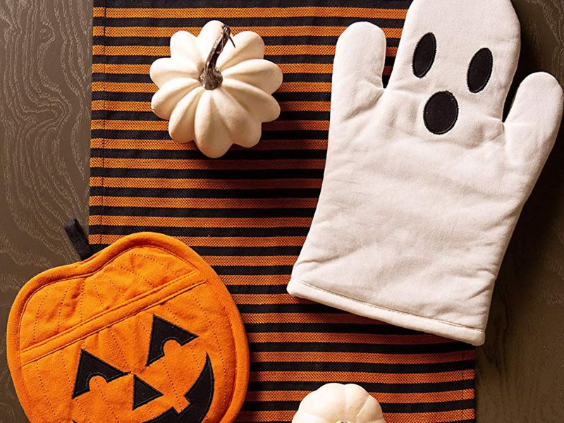 The Spookiest Kitchenware For Your Kitchen Halloween Decor