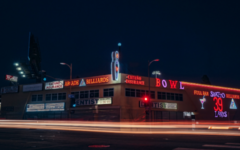 9 Mid-Century Restaurants In LA That You Have To Eat At!