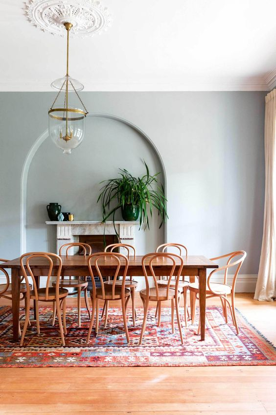 5 Must-Buy Pieces When Elevating Your Dining Room Decor_3
