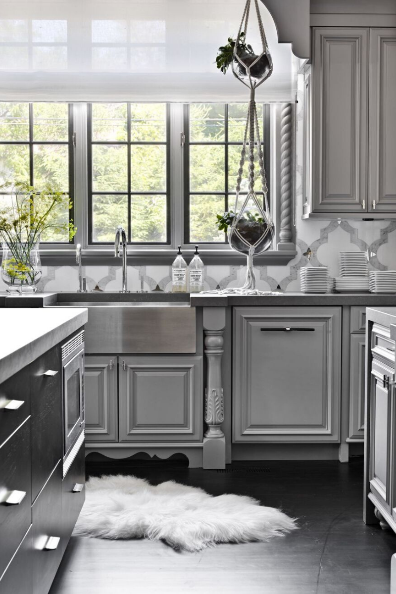 7 Sophisticated Grey Kitchens That Show Neutrals Aren't Boring_1 (1)