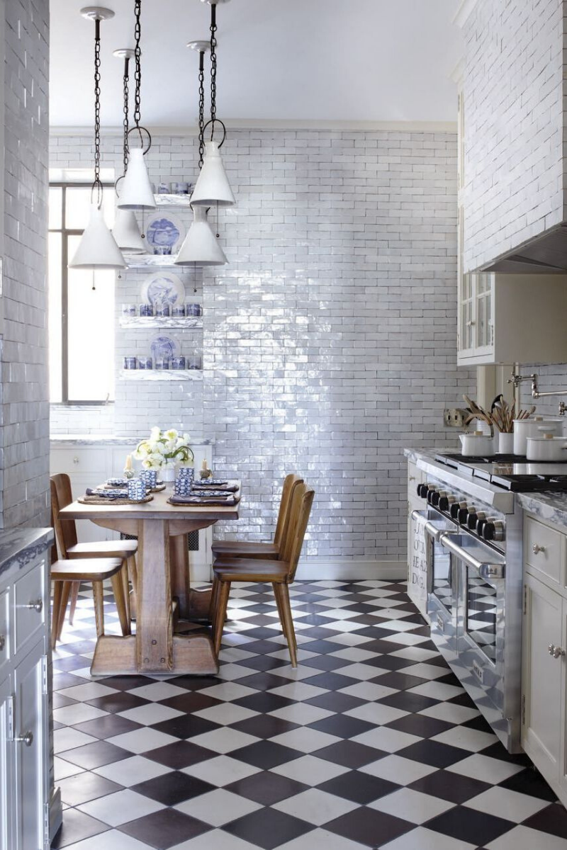 7 Sophisticated Grey Kitchens That Show Neutrals Aren't Boring_2