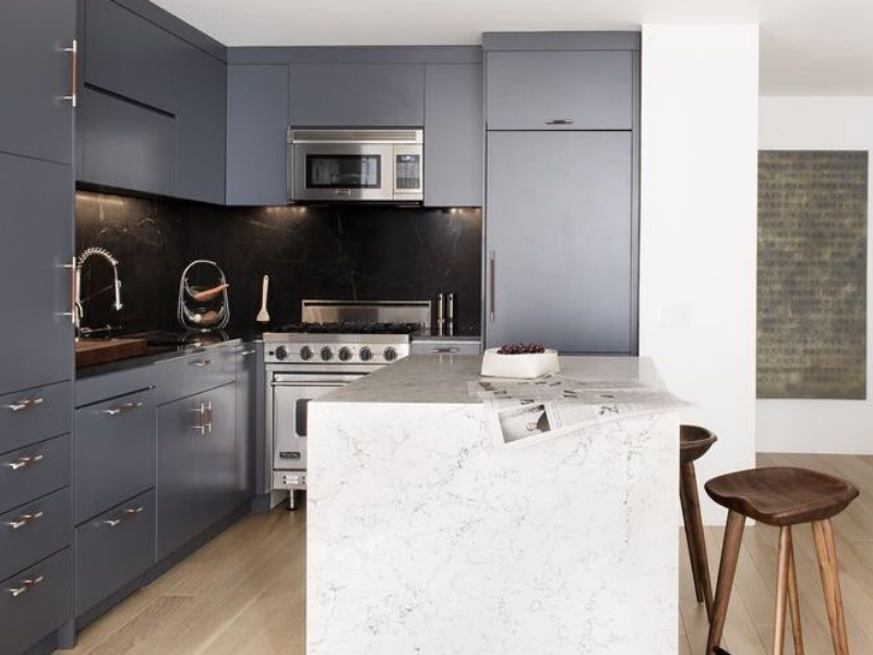 7 Sophisticated Grey Kitchens That Show Neutrals Aren't Boring_3