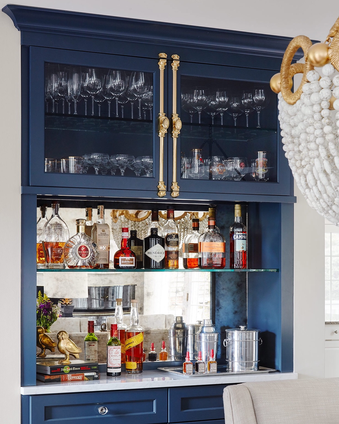 The Ultimate Living Room Bar Ideas For A Sophisticated Home_3