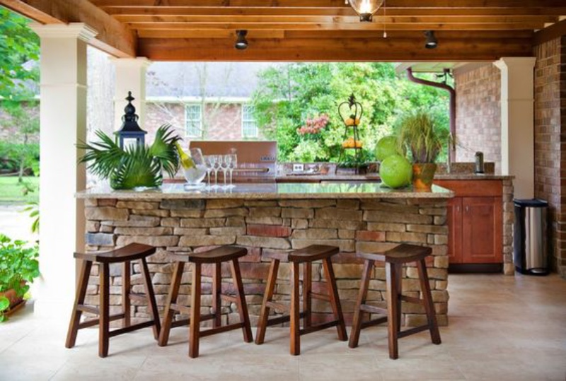 Discover The Best Outdoor Barstools For Your Summer House! 5