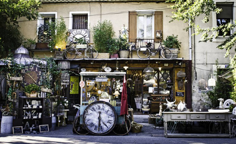 Get the Best French Antiques to Style your House!