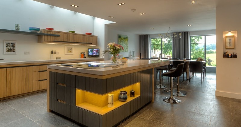 Here Are Some Kitchen Design Ideas To Make It Shiny And Glamorous! 8