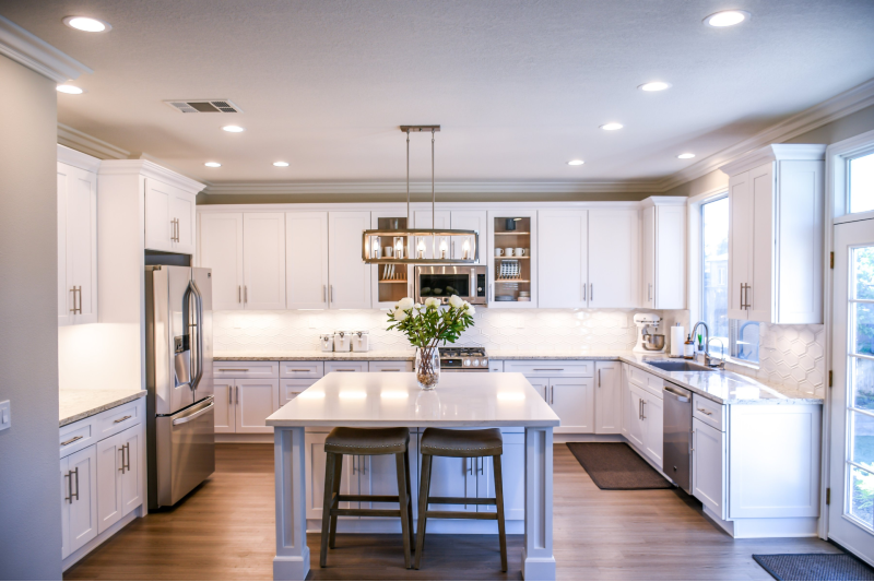 5 Steps to a Breathtaking Modern Kitchen + The Best Summer Sales!