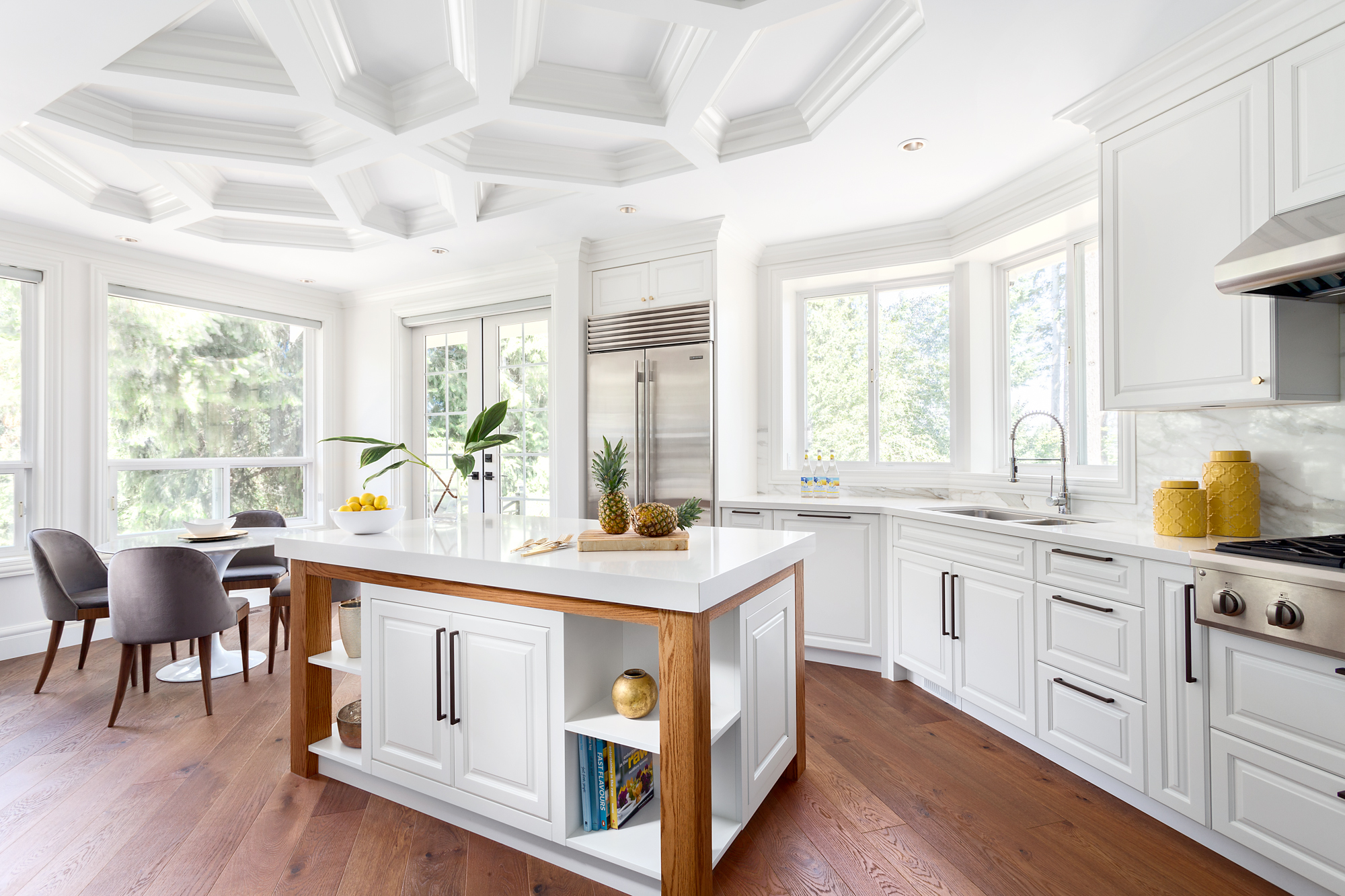 8 Kitchen Islands That Are Inspiring And Stylish_4