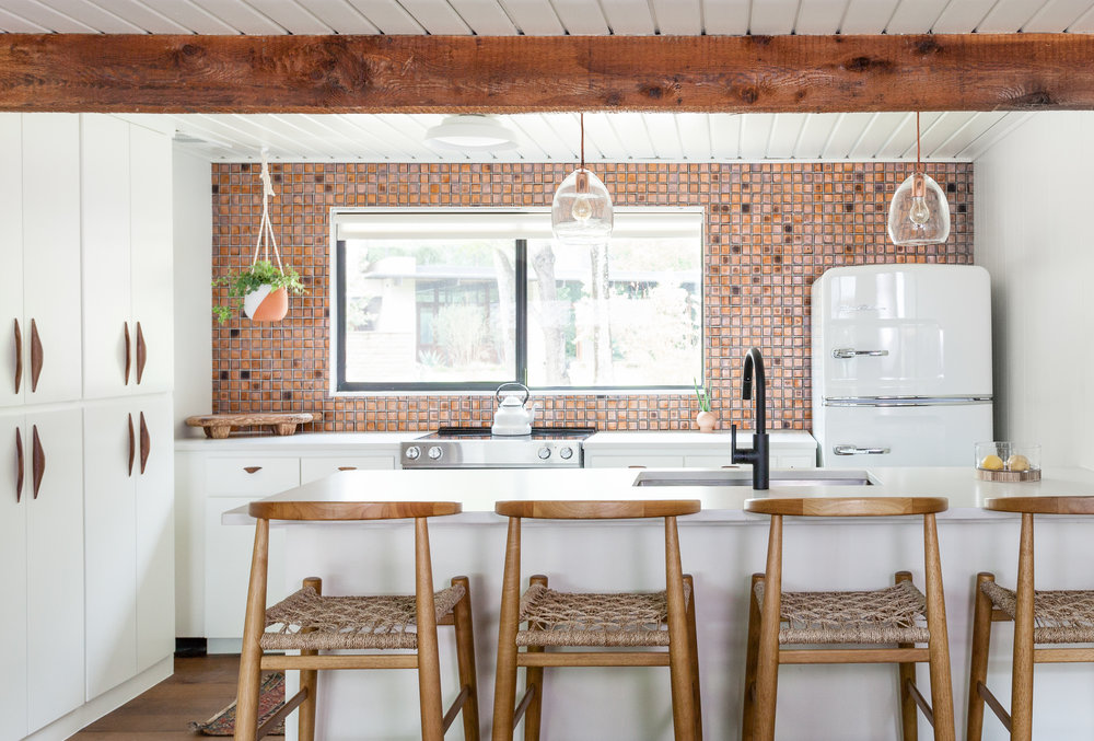 Vintage Kitchen Ideas That Inspire A Switch To Mid-Century Style_1