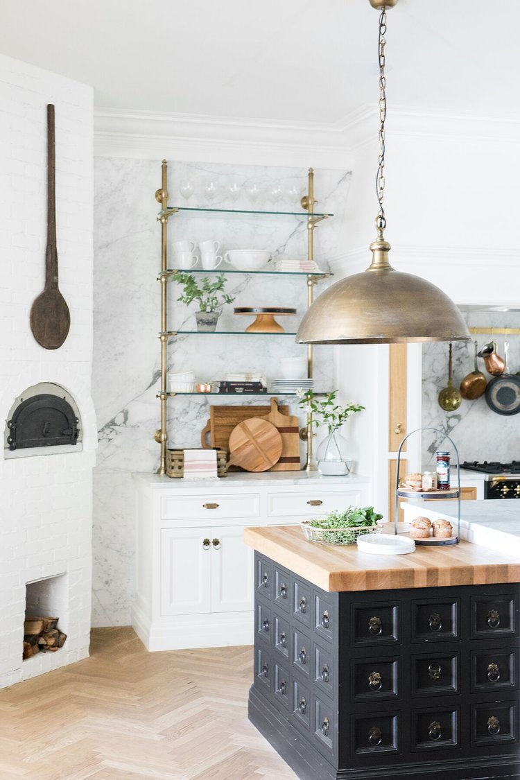 Vintage Kitchen Ideas That Inspire A Switch To Mid-Century Style_5